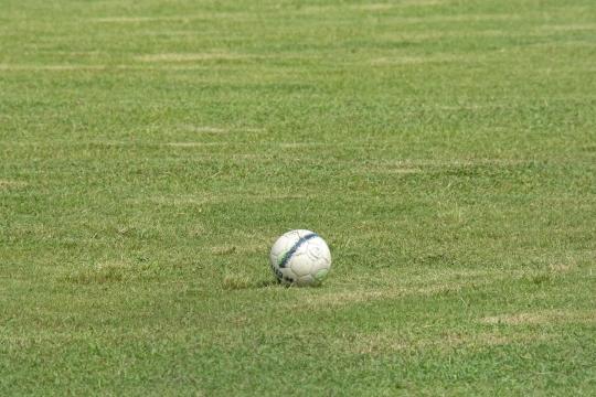 Balle au centre - Foot