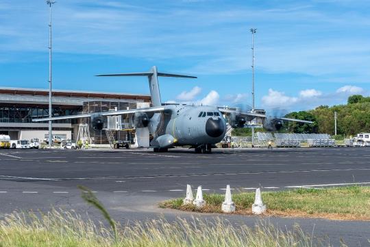 GLB 312 pont aérien militaire et civil