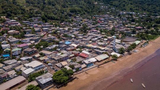 GLB281 village de mtsamboro aérien