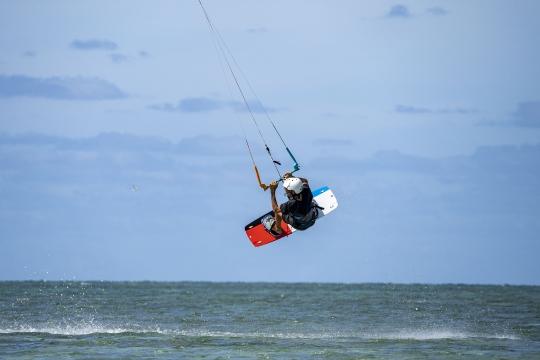 Kitesurf ilot sable blanc-7