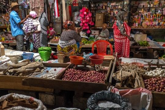 marché-Mutsamudu-anjouan-2