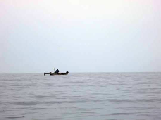 Pirogue sur lagon